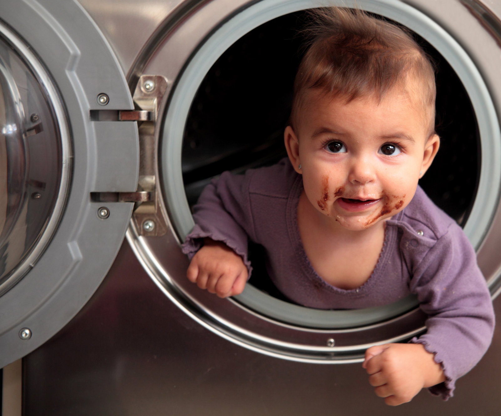 The Busy Mom's Guide to Time-Saving Laundry Hacks